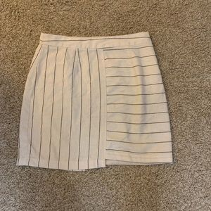 a155c5d1c2484 Urban outfitters white and black striped skirt